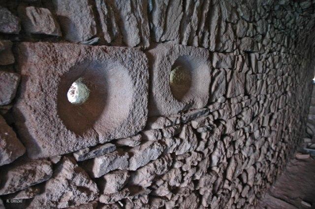 Ruines Des-cars R. Crozat