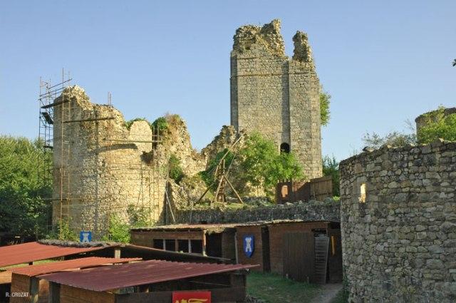 Ruines-Rilhac-Lastour-R.-Crozat