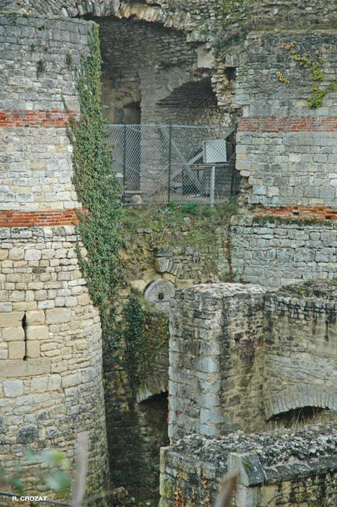 Beynes-ruines-R.-Crozat