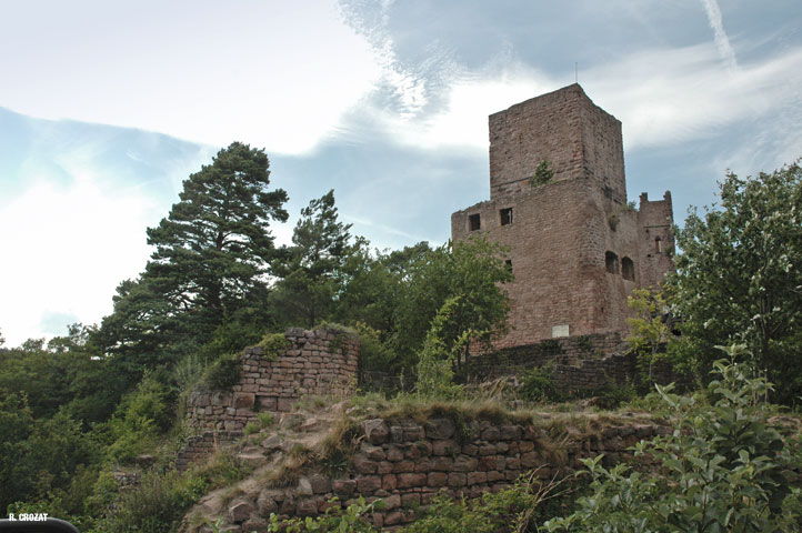 Eguisheim-ruines-R.-Crozat