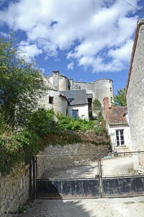 ruine-villentrois-r-crozat